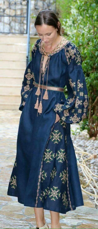 платья вышитые бисером в украинском стиле