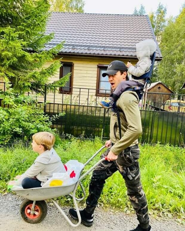 Елизавета Боярская и Максим Матвеев отметили день рождения старшего сына: редкое общее фото