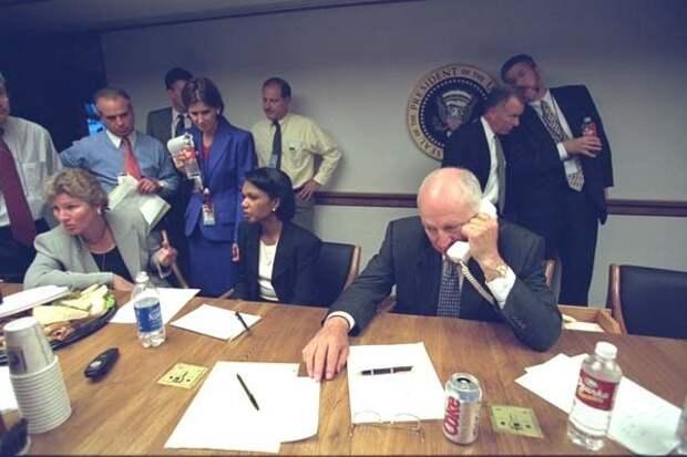11 сентября 2001 года в секретной резиденции президента США Дж.Буша-мл.: