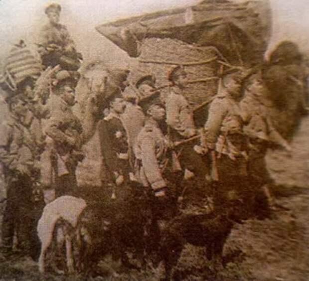 Солдаты карательного отряда.