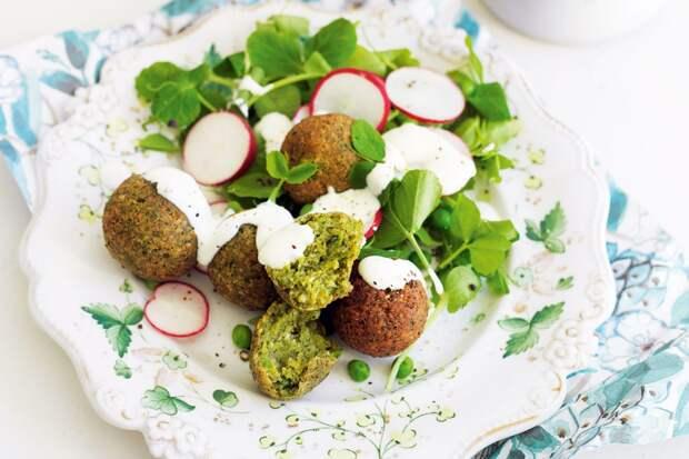 Фалафель из гороха с салатом из мятного кус-куса – рецепт вкусного и дешевого блюда