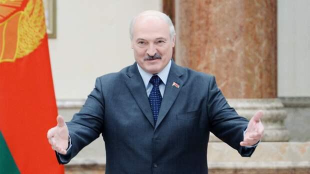 Лукашенко демонстративно избавится от ненужных полномочий