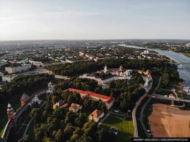 Как выглядит центр Великого Новгорода с высоты птичьего полёта? Полетал над старинным русским городом