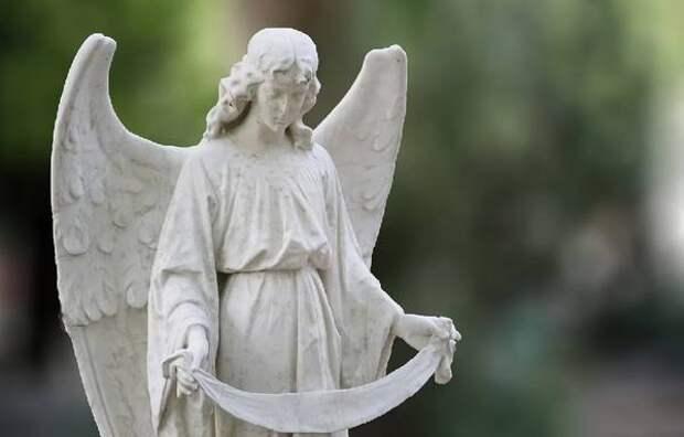 Радоница-2021: самая важная молитва дня. Как молиться дома 11 мая?