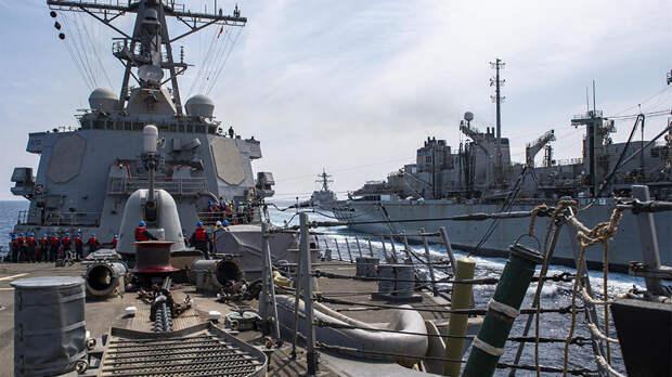 """Эсминец США взял курс на Черное море для """"обеспечения безопасности"""""""