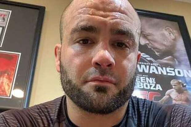 Бывший чемпион UFC потребует отменить его поражение