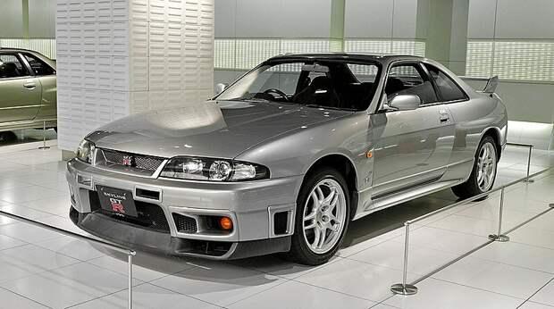 Nissan «GT-R R-33»