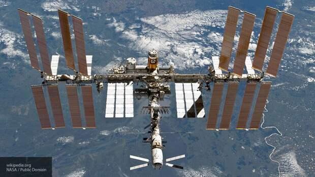 МКС совершит уклонение от космического мусора США