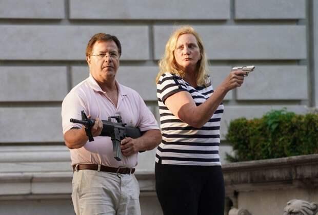 Посмотрите на эти лица – скоро они будут стрелять черную шваль
