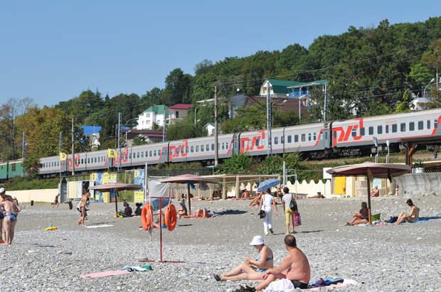 Путин согласился убрать железную дорогу с пляжей Сочи. Где она пройдет?