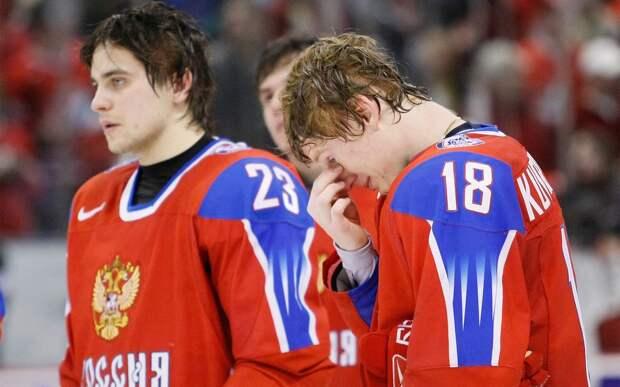 Унизительное поражение сборной России. В финале домашнего ЧМ наши юниоры были разгромлены Канадой со счетом 0:8