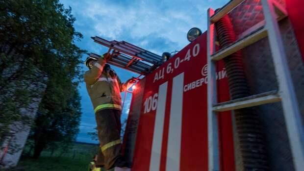 Житель Тульского региона кинул камень в автомобиль пожарной службы