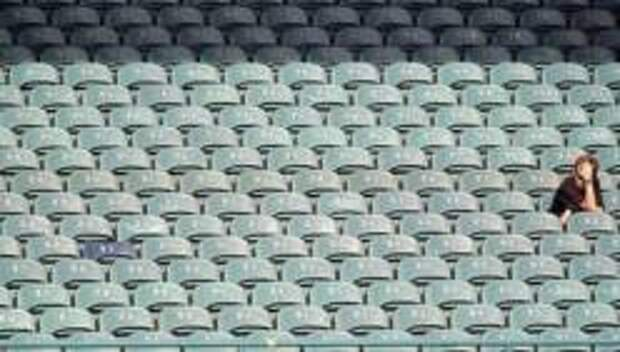 Футбол без фанатов, смерть на взлёте и откат экономики совместного потребления