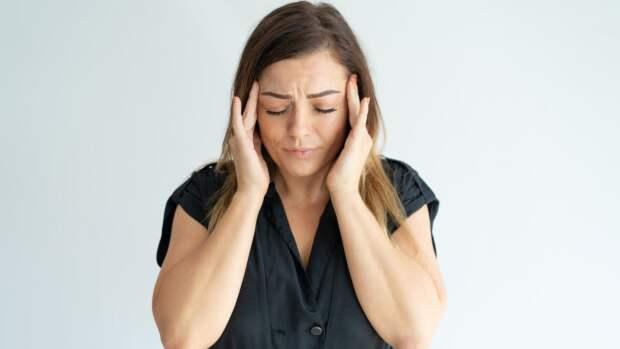 Российский врач объяснил основные факторы возникновения мигрени