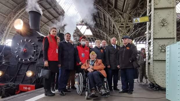 На Витебском вокзале Петербурга показали парад паровозов