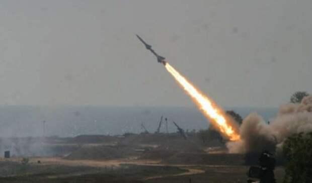 Очередной ракетный удар нанесли хуситы поСаудовской Аравии