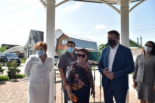 Любимов встретился с активистами ТОС поселка Никуличи