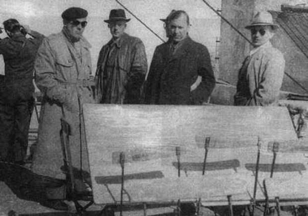 Мыкола Лебедь и диверсанты перед заброской в СССР