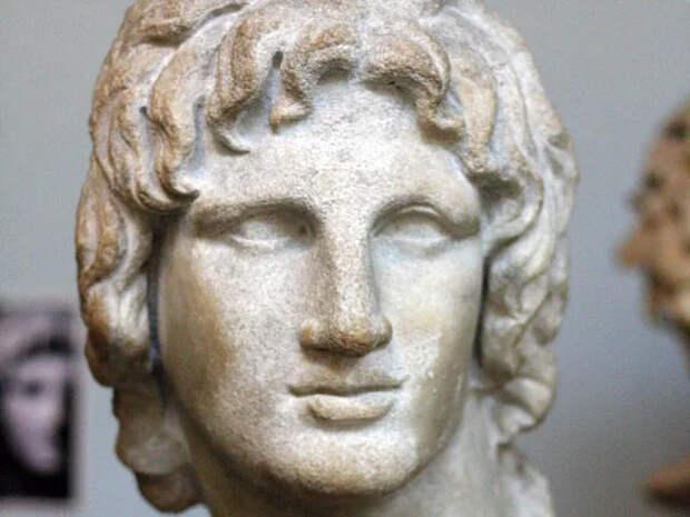 Ученые Греции установили реальную причину смерти Александра Македонского