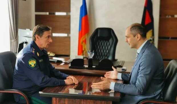 Денис Паслер провел круглый стол с заместителем Генпрокуратуры РФ Николаем Шишкиным