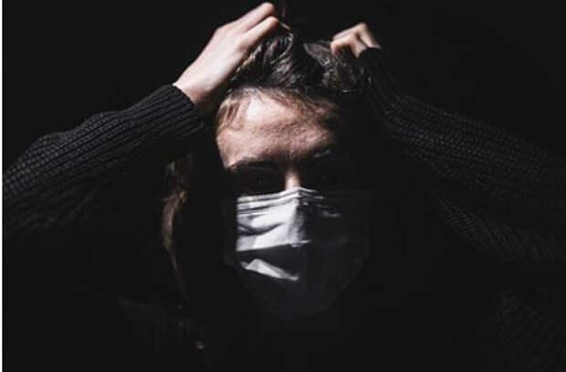 У женщины появилась огромная плешь из-за переживаний по поводу пандемии