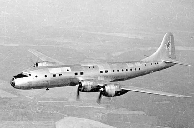 Почему Сталин запретил использовать вместительные пассажирские самолёты