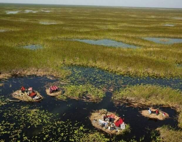 Африканское племя живёт на болоте и не променяет его ни на один мегаполис