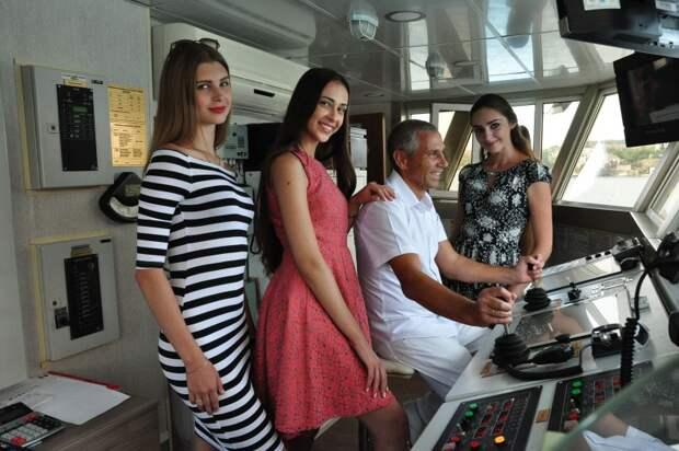 В Севастополе «Жемчужины Черного моря» будут дырявить сцену 12-и сантиметровыми шпильками (фото)