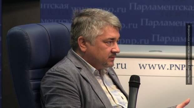 Ищенко об украинском дне: жаль, что еще на Майдане всех не перестреляли