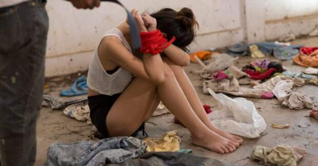 The Times: британская полиция не защищает тысячи девочек от сексуального насилия
