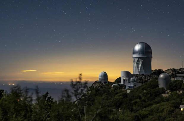 Телескоп DESI начал работать