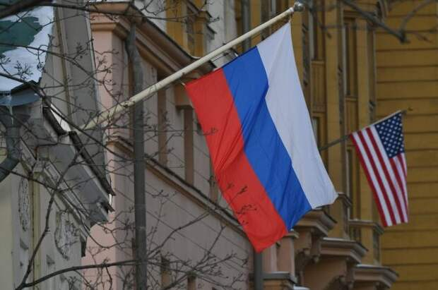 Американское посольство до 1 августа должно прекратить наём россиян