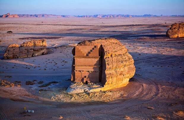История одной гробницы: «Одинокий дворец» в Саудовской Аравии