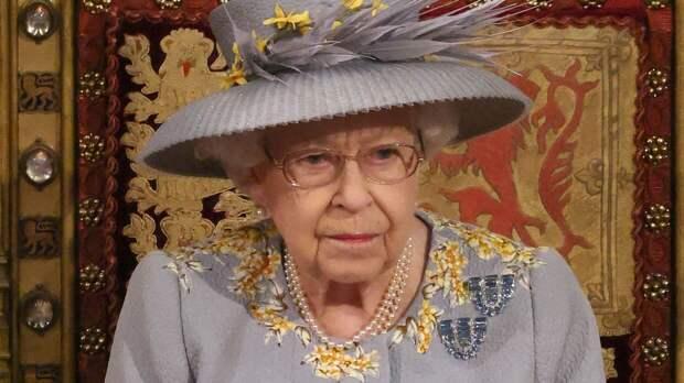 Британский журналист случайно похоронил королеву  Елизавету II во время эфира