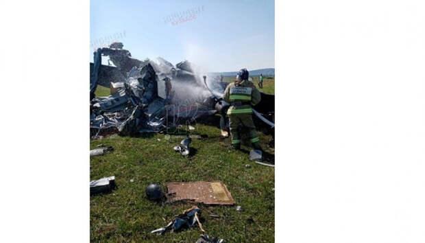 Семь человек погибли при крушении самолета в Кемеровской области