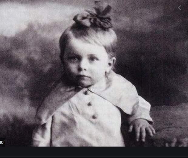Всегда с теплотой отзывалась о Жарове, но ушла от него к другому и родила сына. Людмила Целиковская последние годы актрисы.