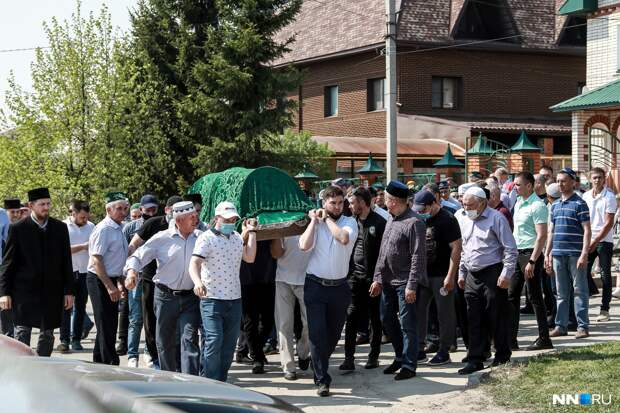 Шли прямо под пули: в Казани решают, кого из педагогов представить к наградам