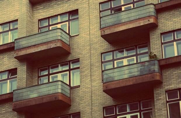 В каком состоянии находятся балконы в вашем доме? — новый опрос