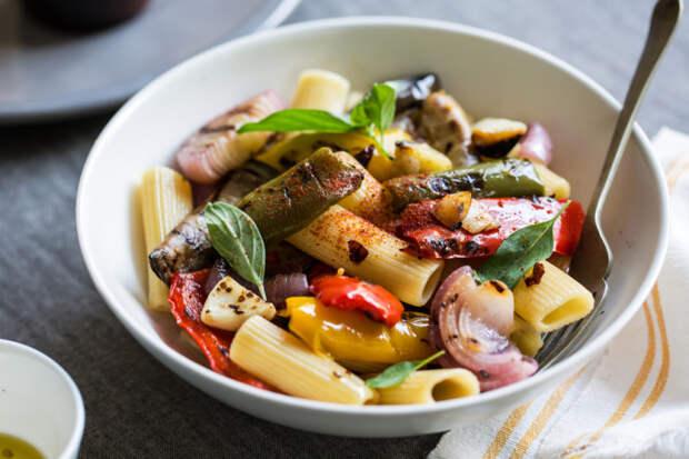 Пикантная паста с овощами. \ Фото: google.com.ua.