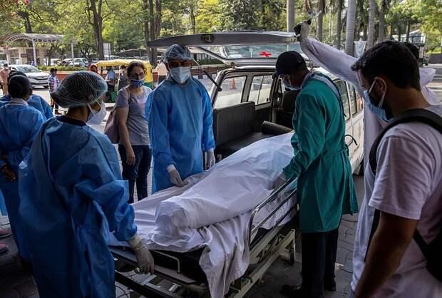 Индия обновила рекорд по числу умерших от коронавируса за сутки