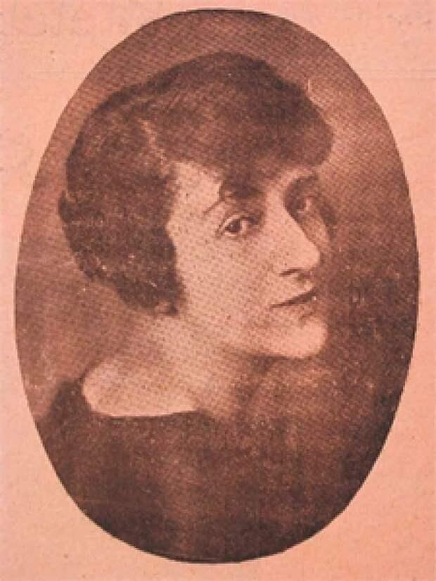 Феминистка Незихе Мухиддин, была ли черкесского происхождения?