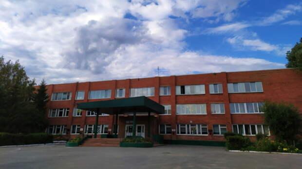 В 2021 году в 27 школах Оренбуржья капитально отремонтируют кровлю