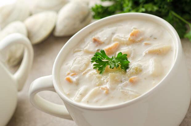 Простой молочный суп с вермишелью и картошкой