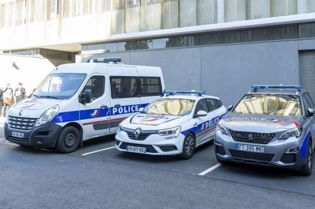 Во Франции мужчина с отвёрткой напал на прохожих