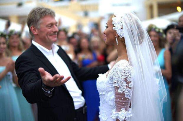 Свадьба Навки и Пескова: три платья, два торта и много слухов