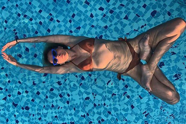 Кому интересна женщина 50+ в купальнике?