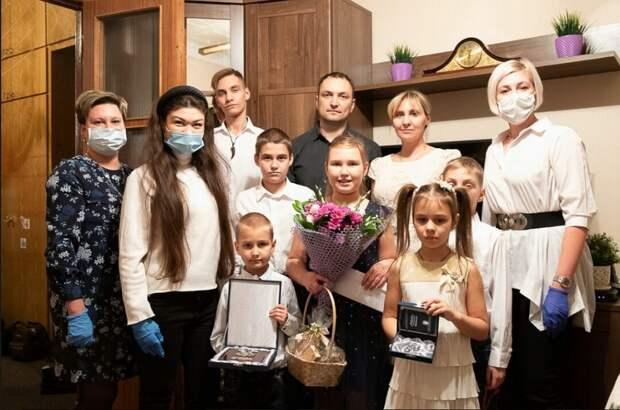 Семья Пономаревых / Фото предоставлено в филиале «Лефортово» Семейного центра «Печатники»
