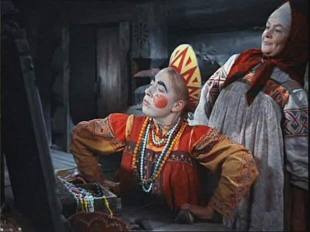 Инна Чурикова в образе Марфуши