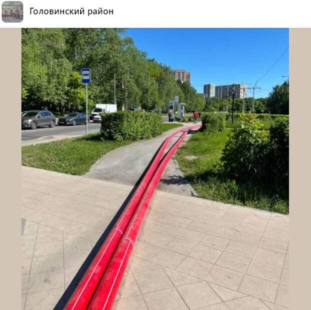 Трубы на Кронштадтском привезли для ремонта кабельной линии – управа