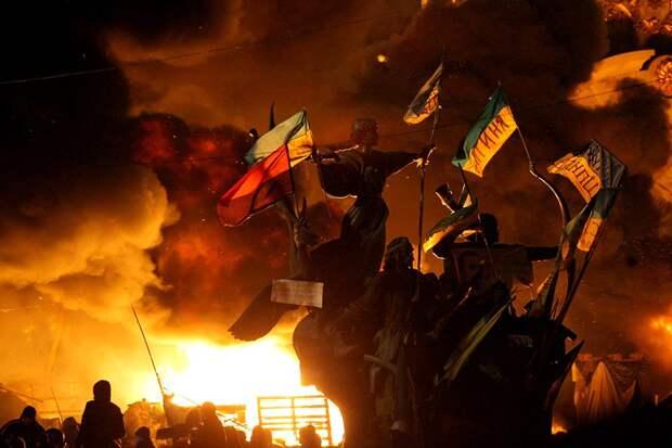 Цветные перевороты на Украине: кто и как обрек страну на растерзание